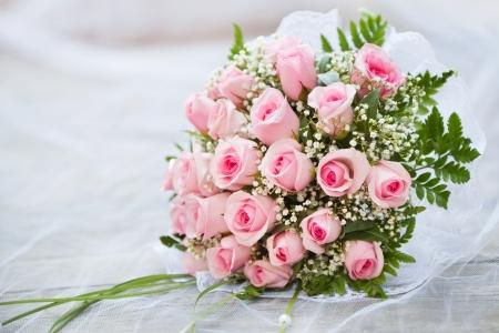bruidsboeket: Bruidsboeket van verse rozen