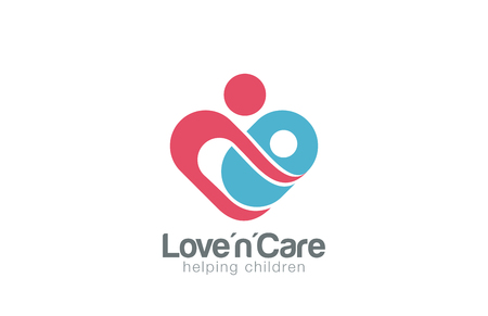 엄마와 아이 로고 디자인 벡터 템플릿입니다. 유아에 대한주의하십시오. 엄마는 아들 딸 심장 모양의 로고 개념 아이콘을하는 데 도움이됩니다. 일러스트