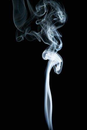 Abstract shape of white smoke on black background. Banque d'images
