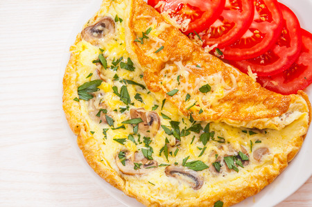 omelet: Omelet with mushrooms and cheese