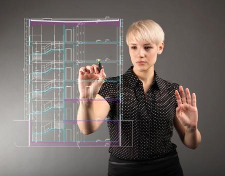 청사진 설계 기술 개념 - 소녀 화면에 그리기
