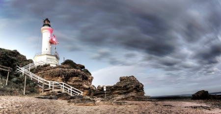 lonsdale: Lighthouse with part of the beach