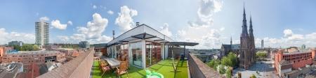 市内中心部で高価な大規模なペントハウス マンションから見たオランダのアイントホーフェン市内の 360 パノラマ ビュー 写真素材 - 22494429