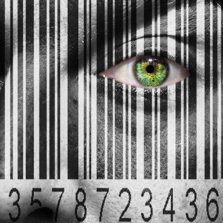 falta de respeto: Barcode superpuesta sobre una cara sirve para sugerir el concepto de la esclavitud o la trata de personas