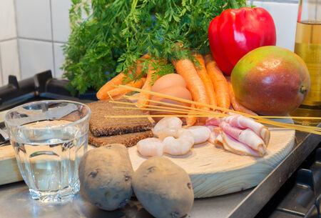 alimentacion balanceada: Dieta equilibrada de los grupos de alimentos que representan la necesidad diaria