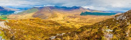 connemara: 180 degrees view of Connemara National Park Mountains