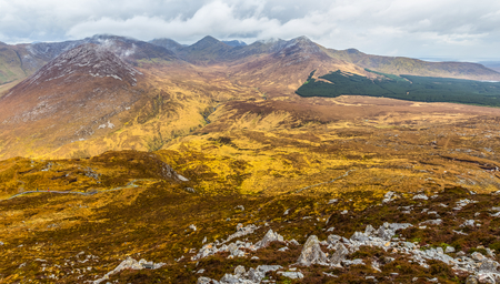 connemara: Panoramic view of the Mountains in Connemara National Park in Connacht
