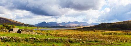 bens: Panoramic view of the Twelve Bens in Connacht Stock Photo
