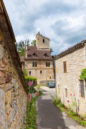 parc naturel: SAINT-CIRQ-LAPOPIE : The pictoresque village of Saint-Cirq-Lapopie in France is a member of the Les Plus Beaux Villages de France (The most beautiful villages of France) association. Editorial