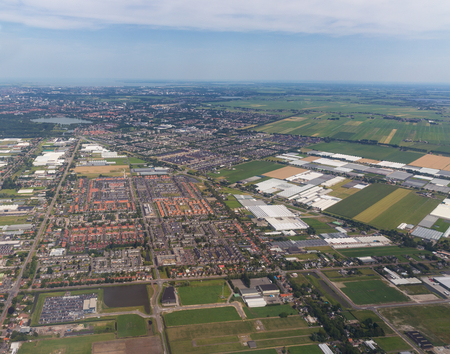 アムステルダム ・ スキポール空港で住宅街の空中パノラマ