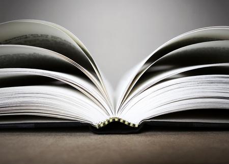 libros abiertos: Foto