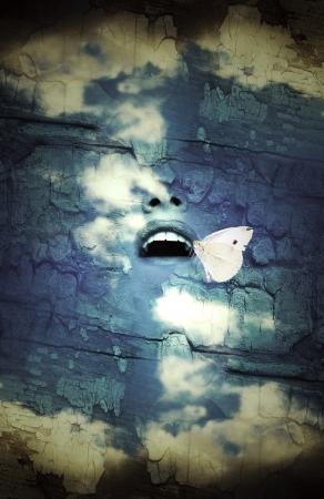 蝶が付いている空で人間開口のファンタジー超現実的な想像します。