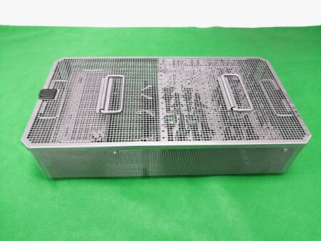Medical Surgical Instrument's Sterilization Steel Tray On The Table Banque d'images