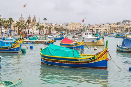 Marsaxlokk es un pintoresco puerto pesquero de la isla de Malta.