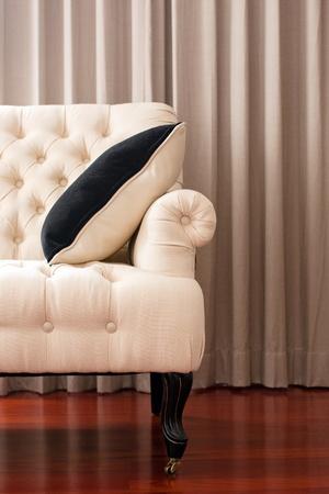 muebles antiguos: Presidente-Tela sill�n, sill�n de estilo cl�sico aislados Foto de archivo