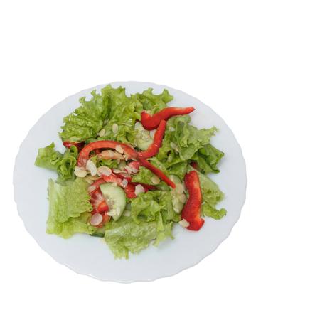 Gemüsesalat mit Gurke, Pfeffer und Samen.