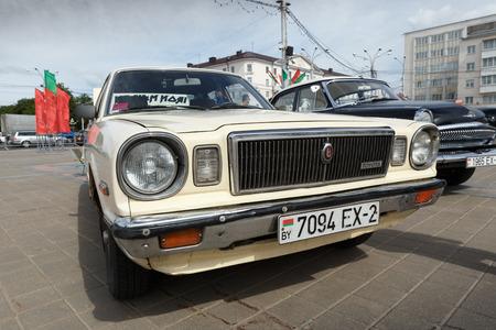 Alter weißer Toyota an der Ausstellung von Weinleseautos. Sommer. Weißrussland. Witebsk. 2017. Editorial