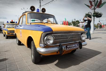 Polizei Moskwitsch 412 bei der Ausstellung von Oldtimern. Sommer. Weißrussland. Witebsk. 2017