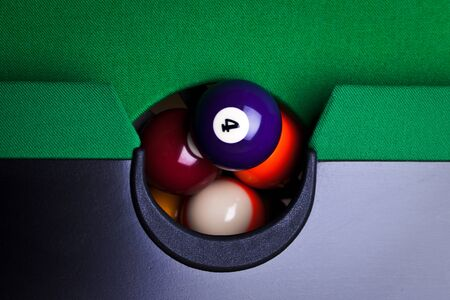 9 ball: Billiard balls
