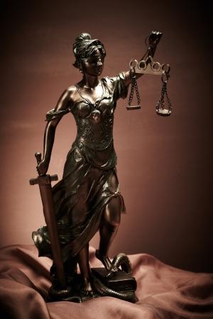 dama justicia: Ley
