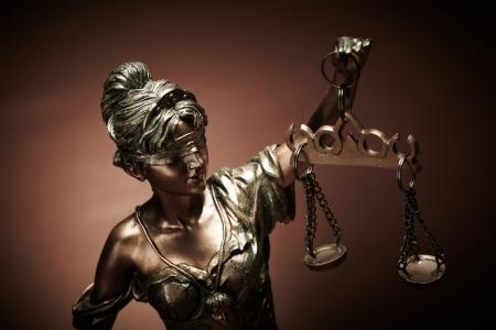 martillo juez: Ley