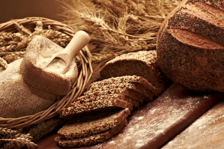 Traditionelles Brot Standard-Bild - 15213371