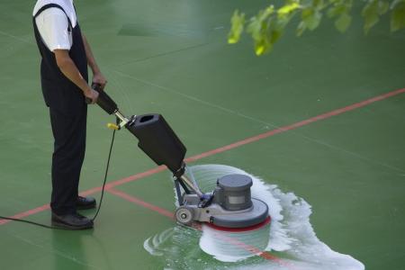 floor machine: limpiando el suelo con la m?quina Foto de archivo