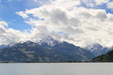 kitzsteinhorn: Alpine mountains in the lake of Zell am See Stock Photo