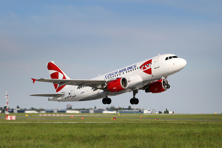 nem: PRAGUE, CZECH REPUBLIC - MAY 13: CSA - Czech Airlines Airbus A319-112 takes off from PRG Airport on May 13, 2015. CSA is the national airline of the Czech Republic. Editorial