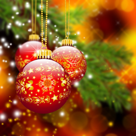 naranja arbol: Tres bolas rojas de la Navidad con textura del modelo adornado colgando en frente de abeto rama de árbol abstracta con el fondo de Bokeh Efecto - la temporada de vacaciones, plantilla de tarjeta de felicitación. Foto de archivo