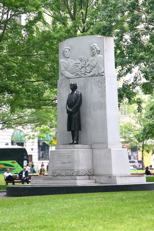 sir: Sir Wilfrid Laurier tribute monument at Dorchester Square Editorial