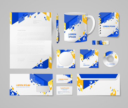 Moderne huisstijl mockup sjabloon blauw geel oranje abstract begrip. Briefpapier Business Objects leeg pen cup notebook USB flash drive CD DVD envelop mail kaart.