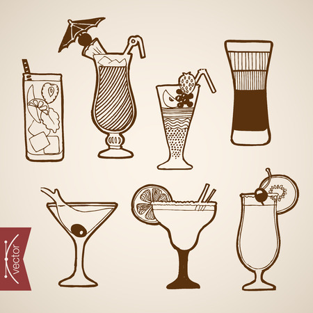 cocktail drink: Engraving vintage hand drawn vector cocktail alcohol bar collection. Pencil Sketch mojito, B52, tequila, bloody Mary short long drink illustration. Illustration