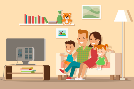 Płaskie szczęśliwą rodzinę, oglądanie telewizji ilustracji wektorowych. Koncepcja zakupów. Wnętrze salonu z postaciami mebli, mamy, taty, syna i córki.