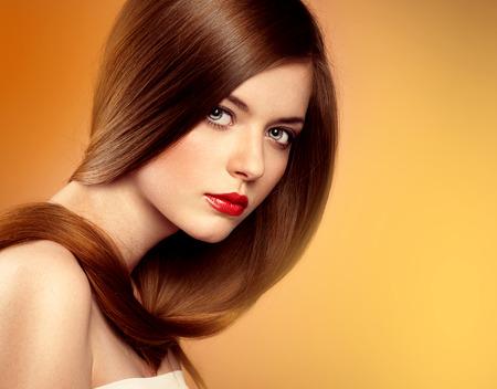 capelli lisci: Capelli sani e cura della pelle.