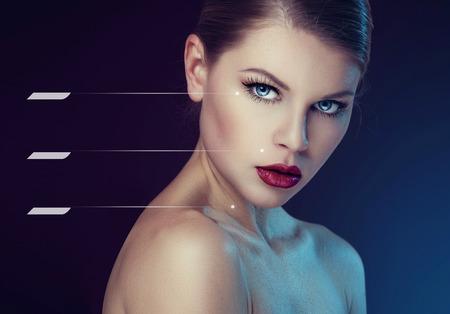 텍스트 완벽한 건강한 피부와 공간 젊은 여자의 아름다움 초상화. 얼굴 로션과 리프팅 효과의 개념입니다.