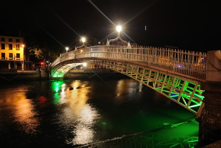 Den Fluss Liffey in Dublin, Irland.