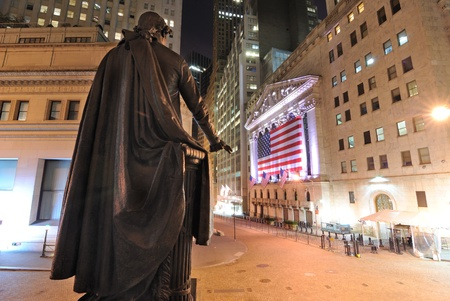 NEW YORK CITY - MAY 26: Behind the George Washington Statue looking towards the New York Stock Exchange on Wall Street May 26, 2010 in New York, NY. Stock Photo - 8796949