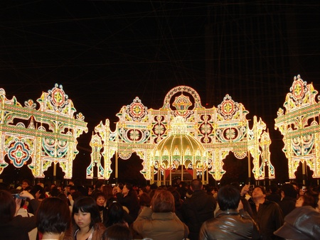 Kobe Luminarie is a light festival held annually in Kobe, japan to memorialize the victims of the Great Hansin Earthquake of 1995. December 12, 2006. Publikacyjne