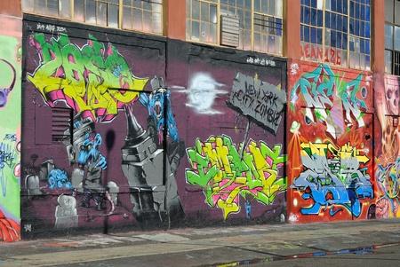 grafitis: Cinco Pointz, considerada la Meca de graffiti en Queens New York City, es un espacio de exposici�n al aire libre con numerosos artistas de graffiti.7 De octubre de 2010.