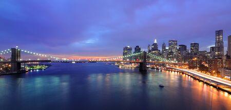 Horizonte de Manhattan y Brooklyn Bridge