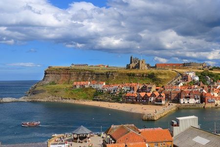 whitby: Whitby Abby on West Cliff in Whitby, England. Stock Photo