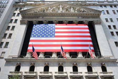 New York City - June 4, 2010: Building of the New York Stock Exchange in Lower Manhattan. Stock Photo - 9475293