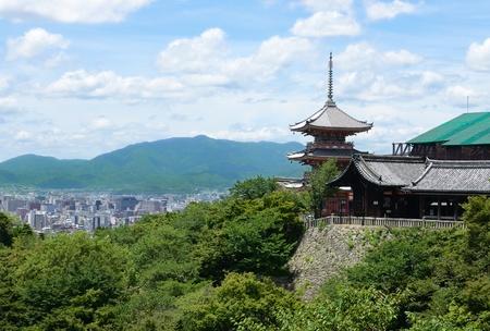 dera: Kiyomizu-dera Temple in Kyoto, Japan.