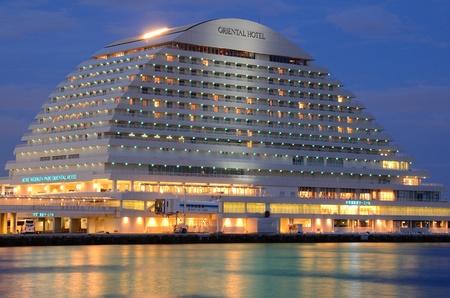 Kobe, Japon - 8 Juillet 2011: Kobe Meriken Park Hôtel Oriential est un bâtiment emblématique dans Harborloand et est conçu pour ressembler à une doublure liuxury. Éditoriale