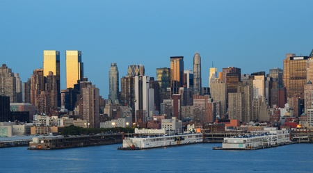 Manhattan Skyline viewed from across the Hudson River. Stock Photo - 10444573