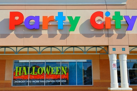 ATHENS, GEORGIA - SEPTEMBER 8: Party City is the largest retail party supply store in the USA on September 8, 2011 in Athens, GA. The company sells goods for all category of party events. Stock Photo - 10580943