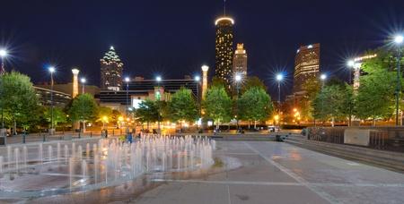 centennial: ATLANTA, GEORGIA - 24 settembre: Centennial Olympic Park � stato costruito per le Olimpiadi estive Centennial 1996 e rimane ancora una destinazione turistica popolare 24 Settembre 2011 ad Atlanta, Georgia.