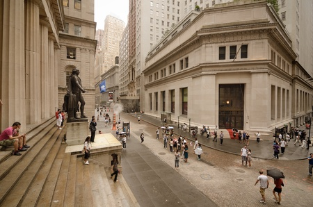 federal hall: NEW YORK CITY - AUGUST 27: Federal Hall August 27, 2011 in New York, NY. Federal Hall was the first US Capital and Wall Street is headquarters to several major financial exchanges including the NYSE. Editorial