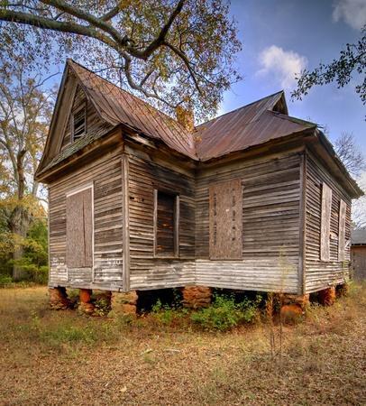old abandoned schoolhouse Stock Photo - 11510595